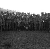 Decorazione con medaglie al Valor Militare